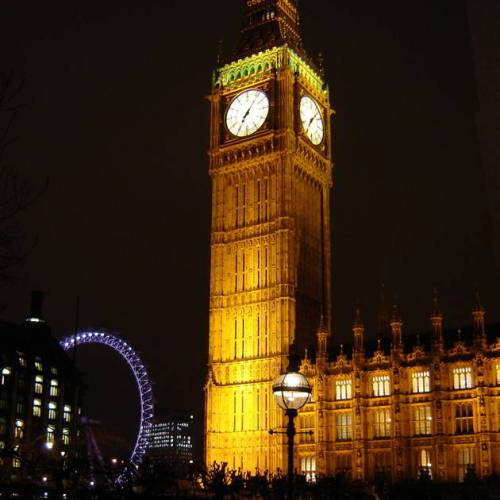 Big Ben iluminado en Londres