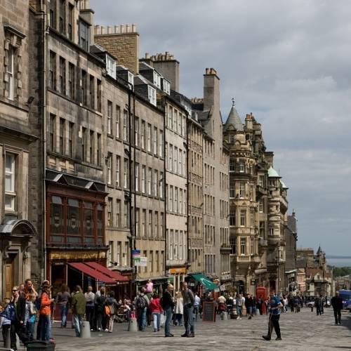 Calle típìca en Edimburgo