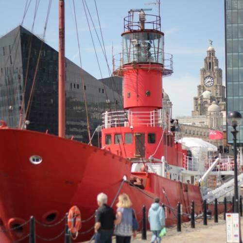 Barco en Liverpool