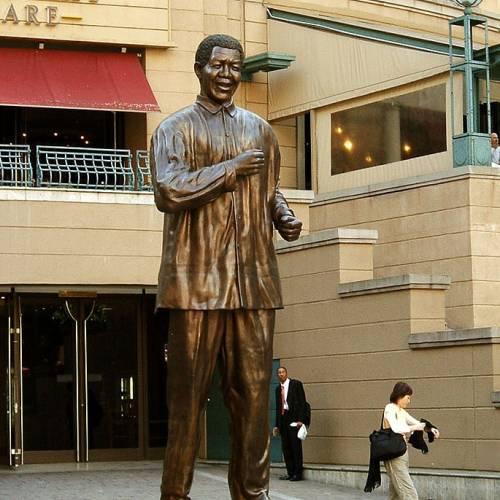 Estatua de Nelson Mandela en Sandton