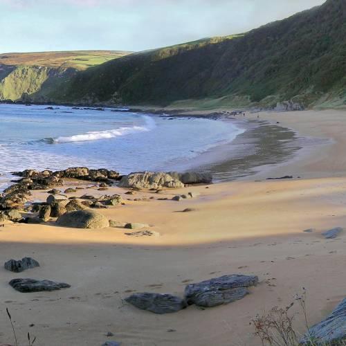 Playa en la costa de Irlanda
