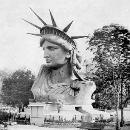 Exposición Universal de París de 1878, F