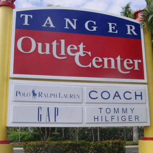 8005c99e26 Tiendas de marca al mejor precio en los outlets de Estados Unidos ...