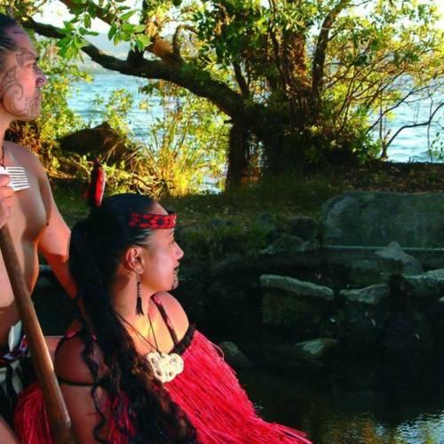 Hinemoa y Tūtānekai