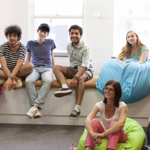 Estudiantes de inglés en EC Brighton