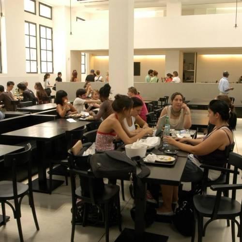 Scuola Leonardo Milan, cafetería