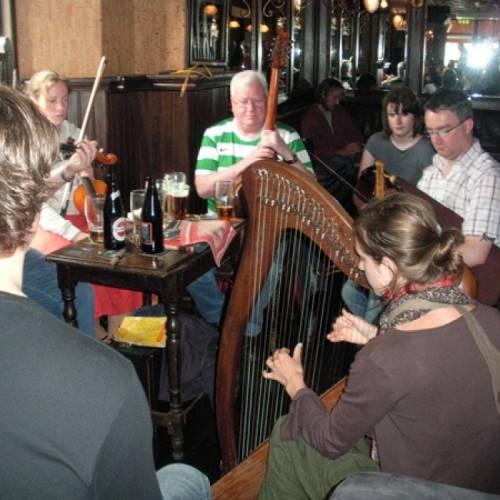 Musica irlandesa en un pub local de Wexford
