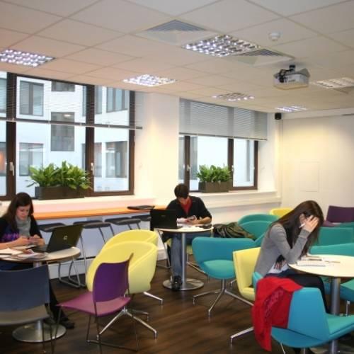 Student area, EC Londres