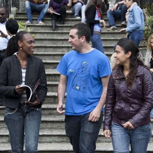 Estudantes de inglés en el campus de Milltown Park en Dublin