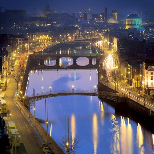 Río Liffey Dublín