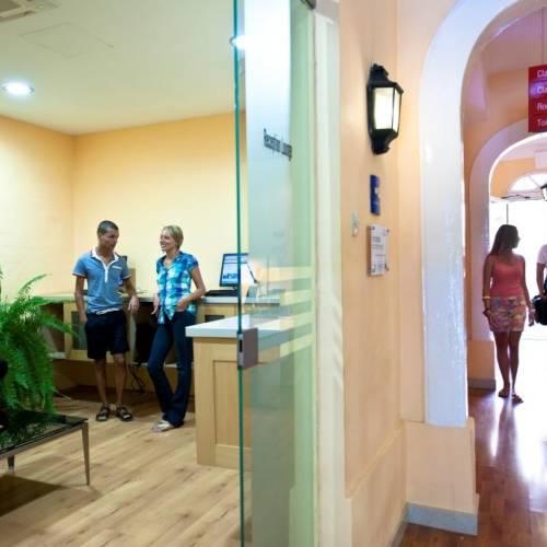 Instalaciones de la escuela de inglés AM en Malta
