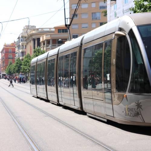 Tranvías en Niza
