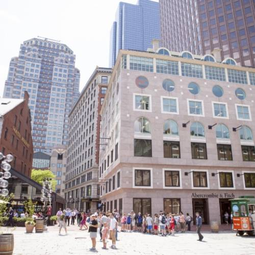 Escuela de inglés en Faneuil Hall, Boston