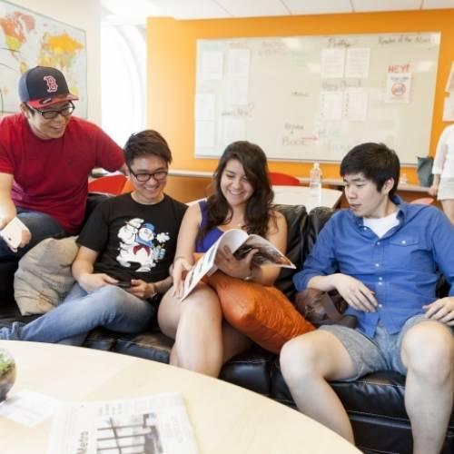 Estudiantes en la escuela de inglés EC en Boston