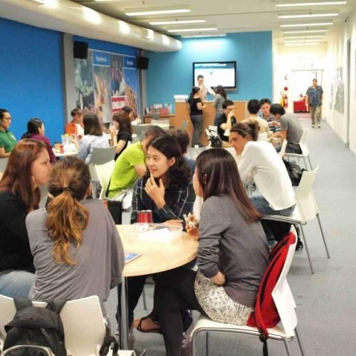 Estudiantes en ELC Sydney, Australia