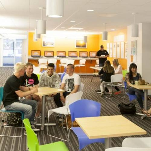 Student lounge en EC English, Los Angeles