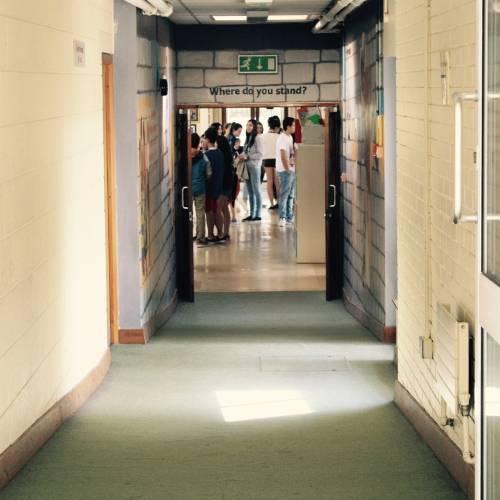 Interior de la escuela 2_Bray