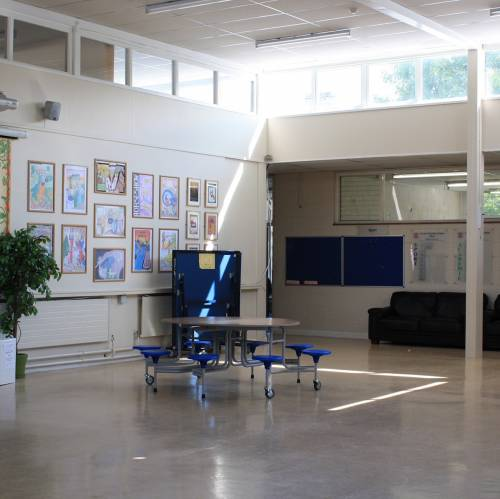 interior de la escuela Bray